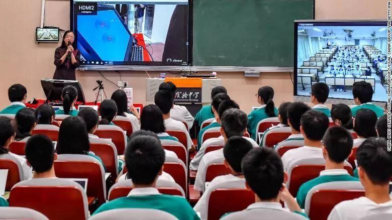 中国教育体系成绩卓著,为什么60万学生还要出国留学?