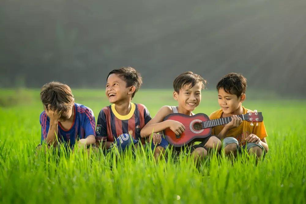 家长们都希望自己的孩子优秀而独立,10年后这5类孩子最有出息