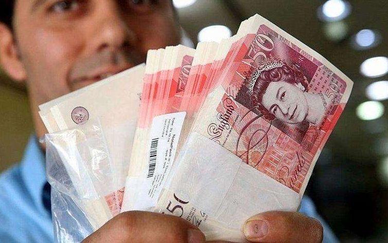 英镑暴跌:英国留学生及准留学生可以开始考虑囤些英镑啦!