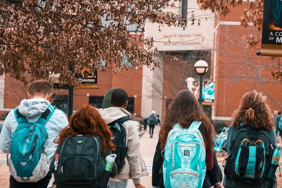 37万赴美中国留学生,多数人很喜欢的是这三个州