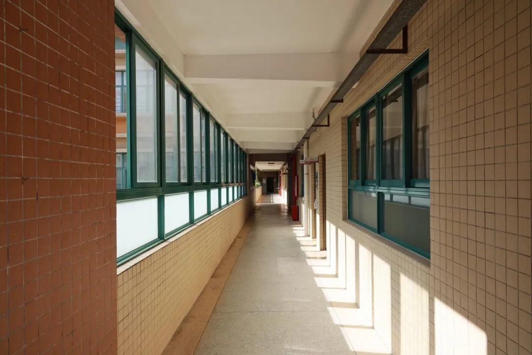 深国交高中部校区在水围村最后的时光 -- 以7天时间,告别17年  深国交 深圳国际交流学院 第4张