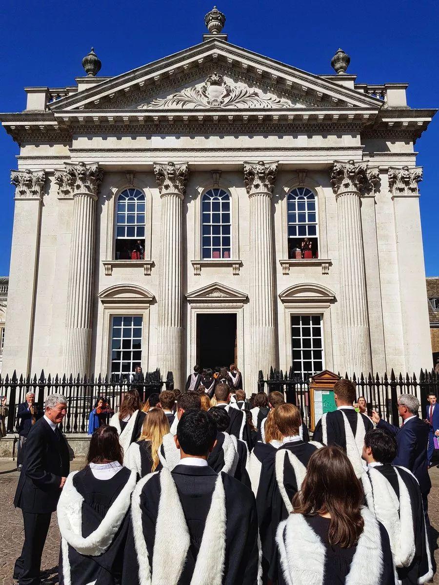 剑桥预计2020年的毕业典礼将推迟到2021年举行  英国大学 剑桥大学 第4张