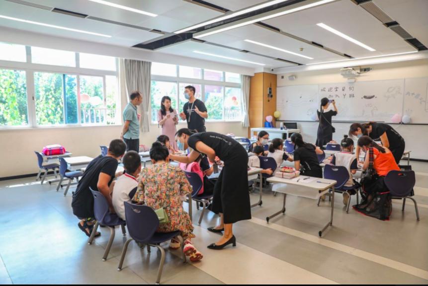 深圳237.4万师生开学了!比较一下国际学校的开学典礼  深圳国际交流学院 第43张