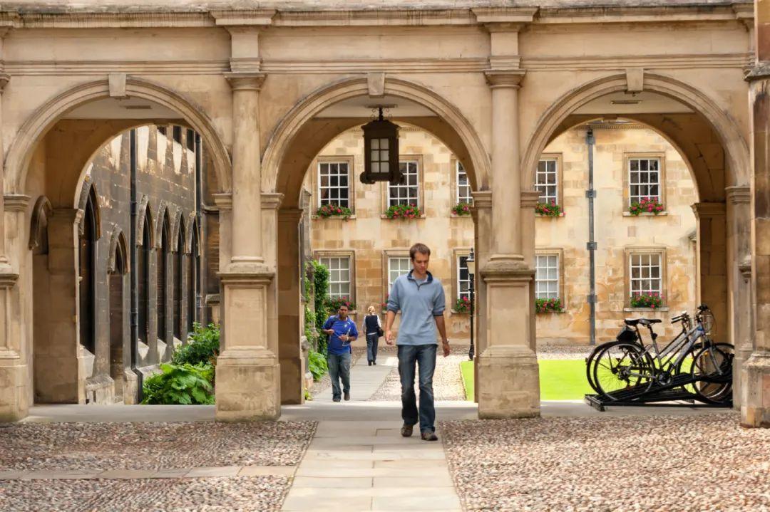 读一年牛津剑桥本科得花多少钱?建议准备50万原因是。。。  剑桥大学 牛津大学 费用 第7张