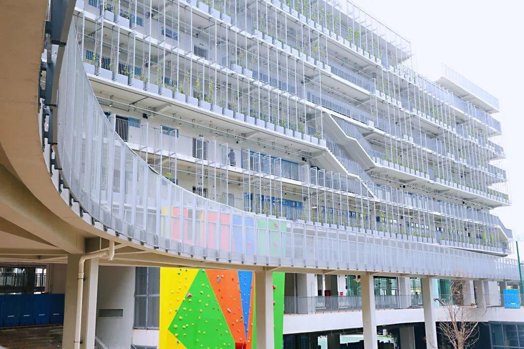 深圳237.4万师生开学了!比较一下国际学校的开学典礼  深圳国际交流学院 第4张
