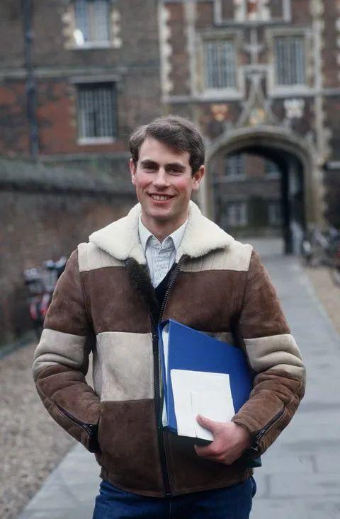 皇室为啥不读牛剑,是因为不喜欢还是牛剑根本就不是英国最好的大学?  牛津大学 剑桥大学 英国留学 第3张