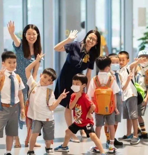 深圳237.4万师生开学了!比较一下国际学校的开学典礼  深圳国际交流学院 第7张