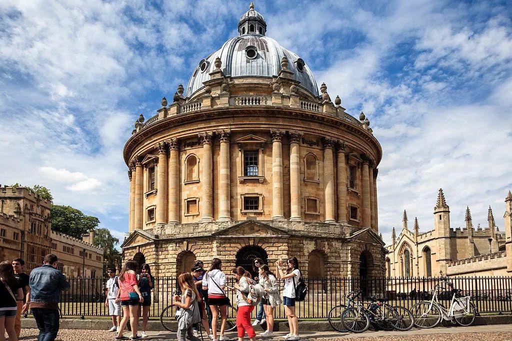 读一年牛津剑桥本科得花多少钱?建议准备50万原因是。。。  剑桥大学 牛津大学 费用 第4张