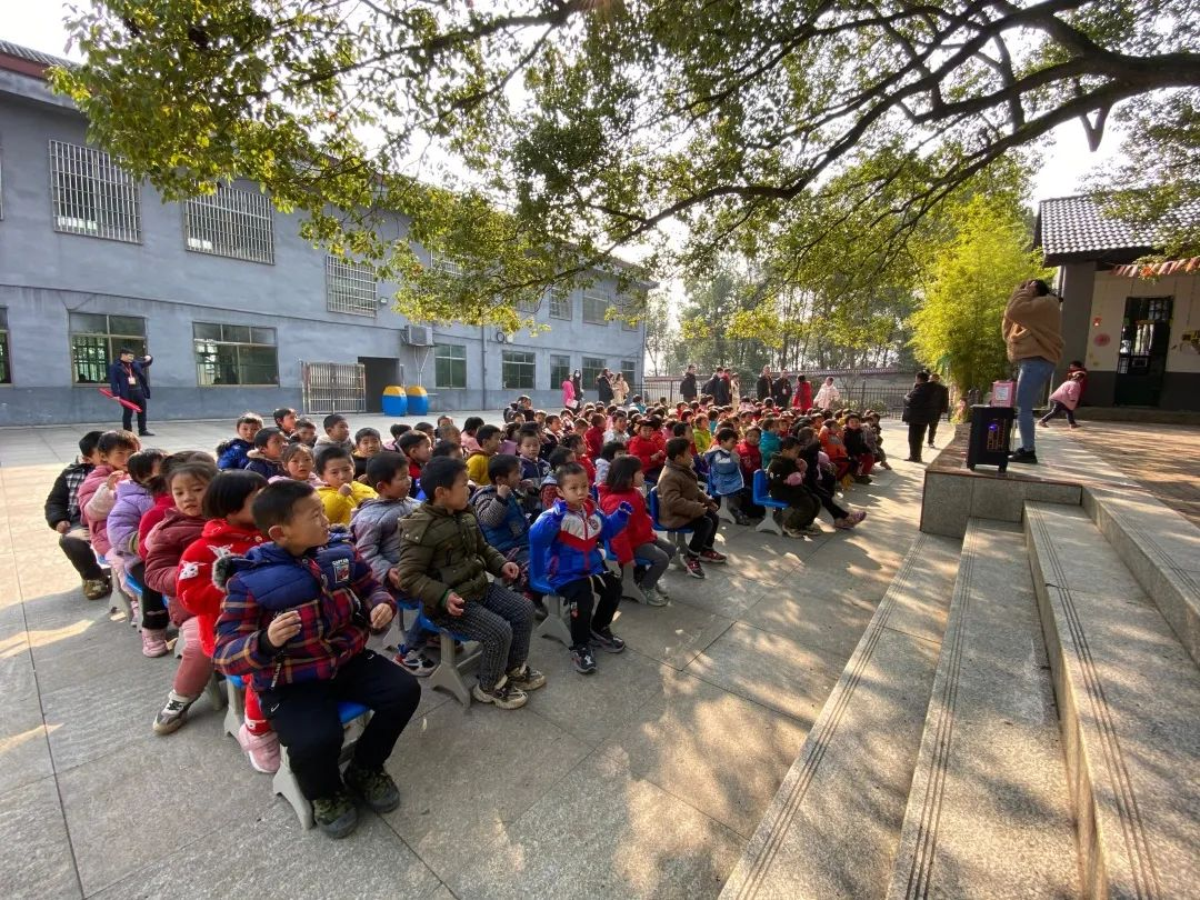 深国交游子社:平安村里的平安小学,今天来了深国交的一群小老师  深圳国际交流学院 第7张