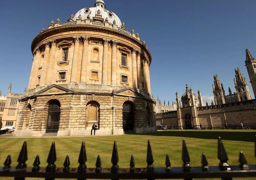 为什么牛津和剑桥不能同时申请?主要原因竟然是。。。  英国留学 牛津大学 剑桥大学 第2张