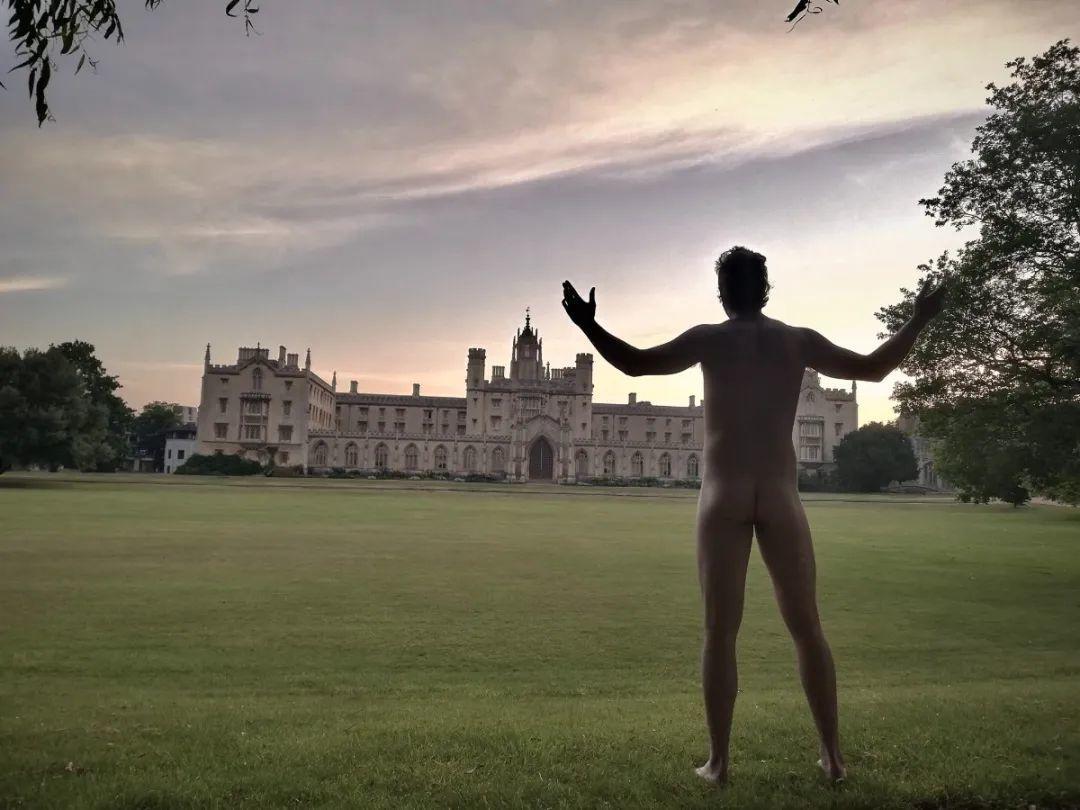 2020剑桥大学年度美臀比赛来了!画面太美不敢想象...  英国大学 剑桥大学 第14张
