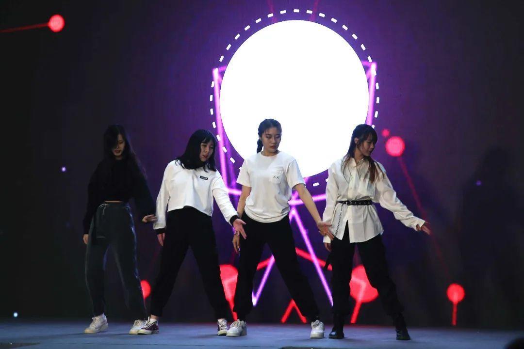 深国交2021 Fashion Show - 校园活动|疫情之下的时尚