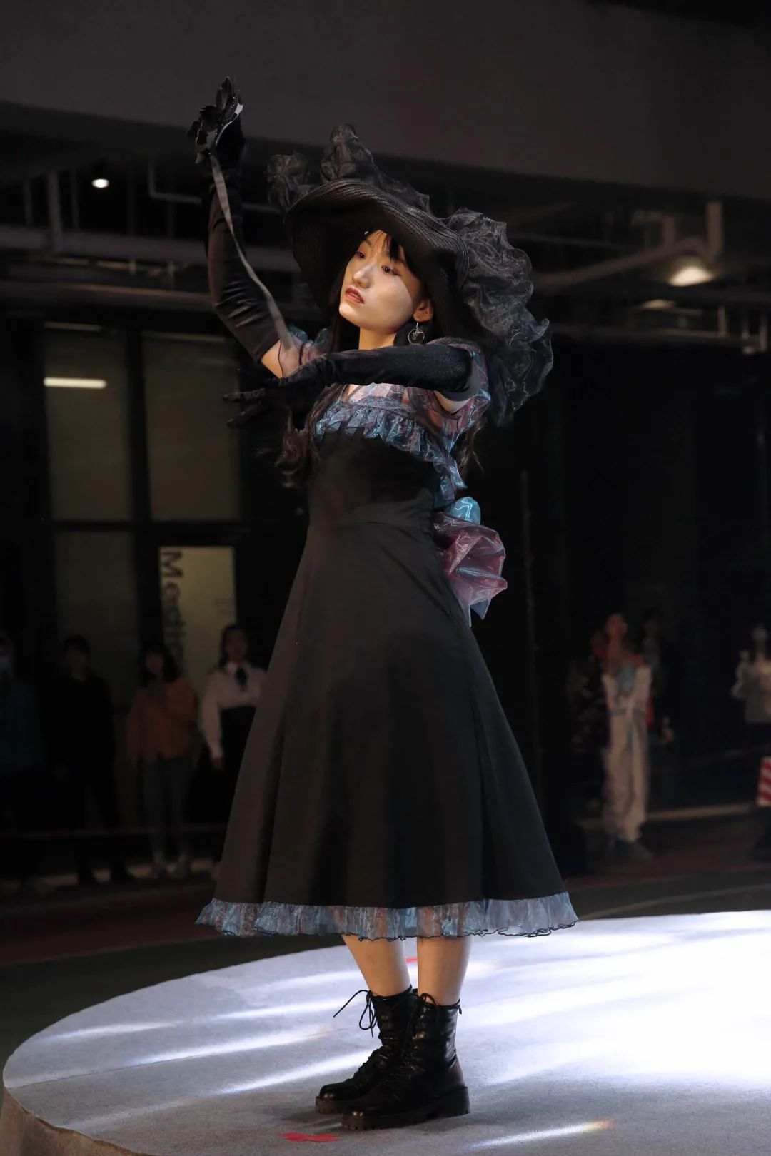 深国交2021 Fashion Show - 校园活动 疫情之下的时尚  深国交 深圳国际交流学院 第17张