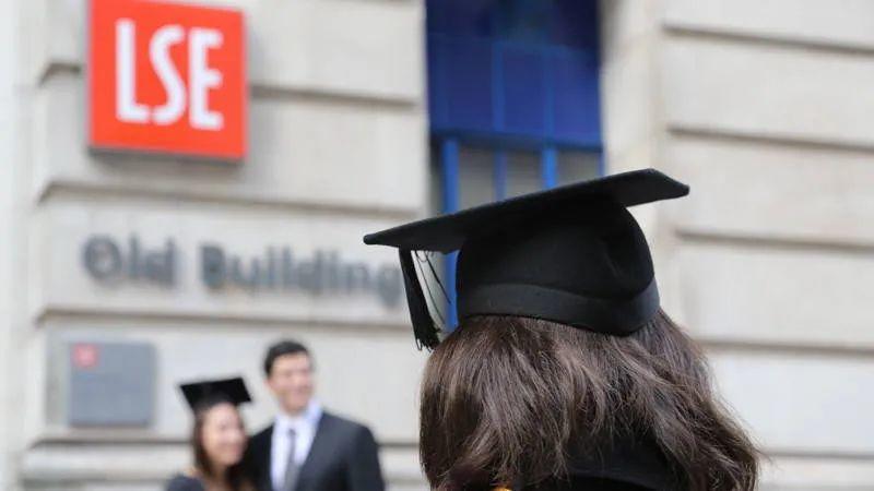 LSE毕业生最后都去哪了?57%的毕业生在英国工作