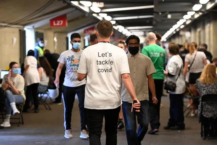 英国0新增死亡!伦敦1.5万年轻人抢先打新冠疫苗!排队现场堪比音乐节!  英国留学 留学 第7张