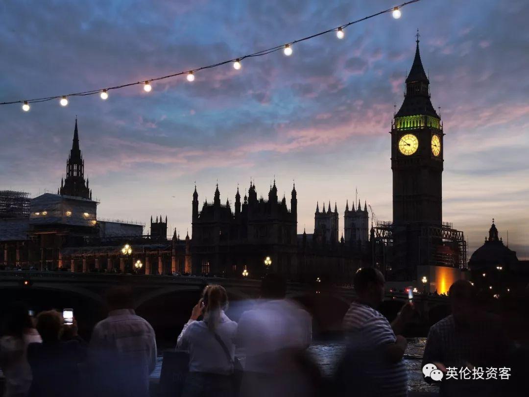 修了4年,伦敦大本钟回归在即!以后又可以拍照打卡了  英国留学 第8张