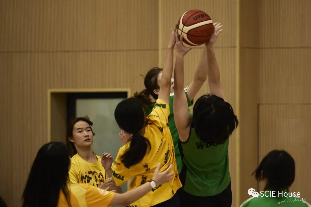 深国交篮球半决赛集锦 AL组Wood以24:2的悬殊比分进入下周三女子决赛  学在国交 Winnie 第17张